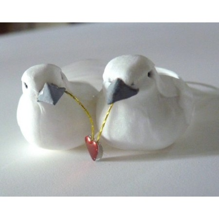 Couple of doves, 7 cm, with heart and real feathers, wedding figurines