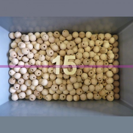Set of 100 drilled balls made of beech wood, diameter 15 mm, hole 4 mm