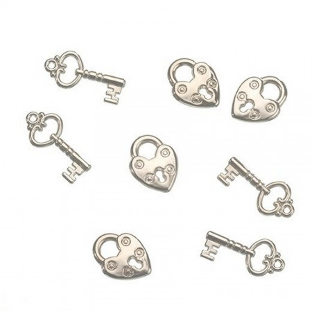 Set of 4 keys and 4 padlocks, style decorative-ornamental, silver plastic, for scattering