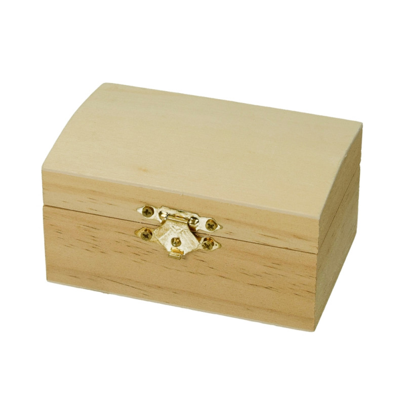 Small pine wood box, with closure, size 9.5 x 6.5 cm, to decorate