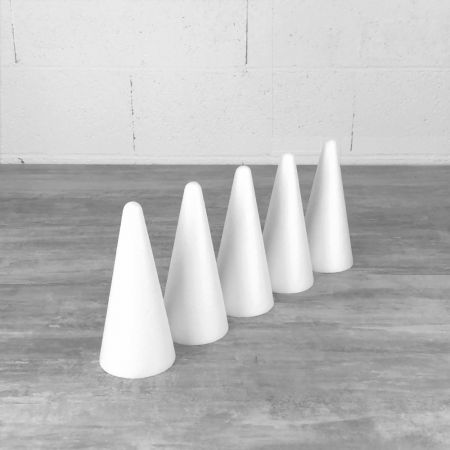 Set of 5 polystyrene cones, 20 cm high, high density