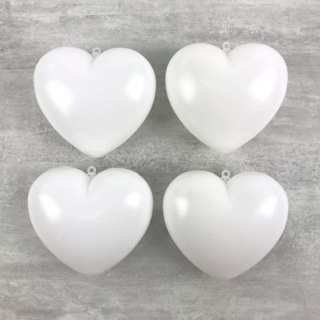 Set of 4 white Hearts in non-separable plastic, 9.5 x 8 cm, with hanging hooks, Romantic deco